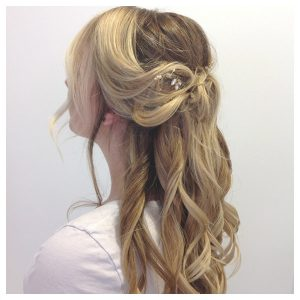 Kinna Dry Bar hair gallery 23